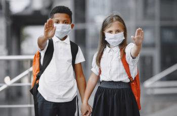 Por que tantas crianças estão morrendo de Covid-19 no Brasil?